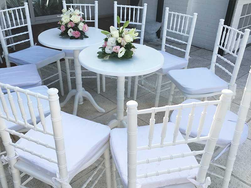 Mesa cafetin con 4 sillas tifany forevents - Alquiler de mesas y sillas para eventos precios ...